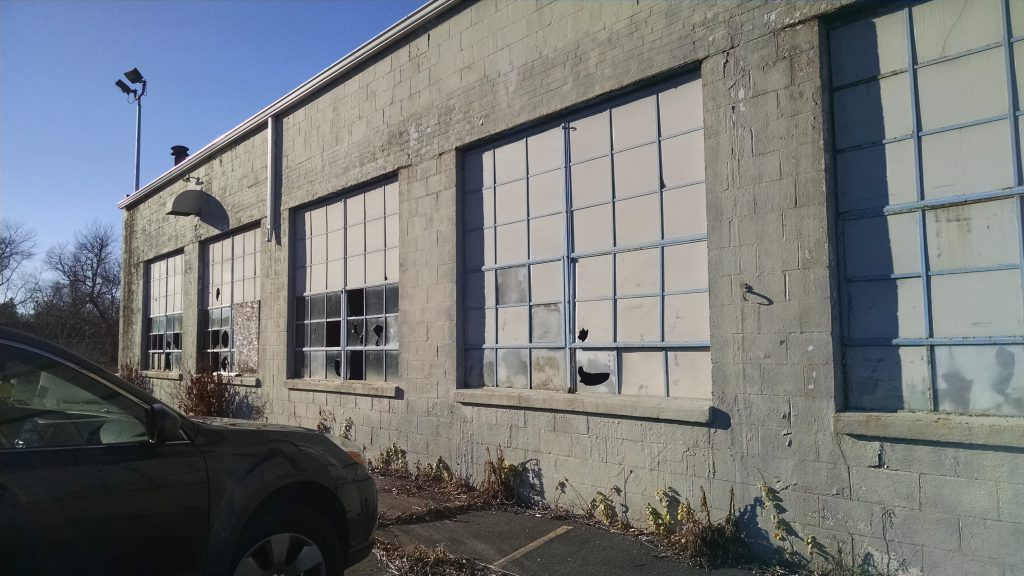 Former autodealership building on Poquonock Avenue, Windsor